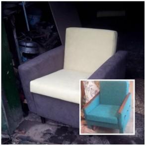 Ремонт и замена обивки ткани на старом кресле