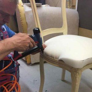 Перетяжка мягкой мебели Ремонт мягкой мебели