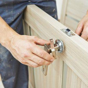 Услуги плотника. Плотник. Плотницкие работы
